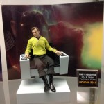 Mezco ONE:12 Kirk and Captain Chair